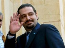 الحريري يتوجه إلى رياض الصلح المتظاهرون يرشقونه بالزجاجات