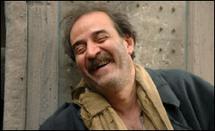 بطل باب الحارة يقود انقلاباته الفنية في دمشق