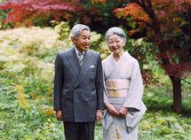 أبنة تاجر الدقيق التي صارت امبراطورة لليابان تحتفل مع الامبراطور بيوبيل زواجهما الذهبي