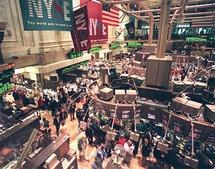 الاقتصاد الأمريكي ينكمش بنسبة 6.1% في الربع الاول من العام