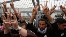 المعتقلون الفلسطينيون يعلقون اضرابا عن الطعام استمر 41 يوما