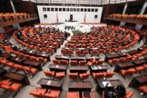 البرلمان التركي يقر مشروع قانون لإرسال وحداته العسكرية إلى قطر
