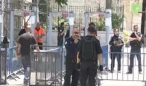إسرائيل تقرر إزالة البوابات إلكترونية على مداخل المسجد الأقصى
