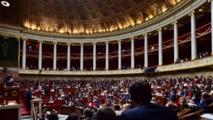 فرنسا تقر قانون يمنع الاستعانة بالزوج او الزوجة بالعمل السياسي