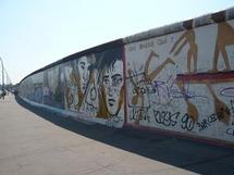 رياح التغيير فنيا ...أغنية عمرها عشرون عاما لفرقة العقارب تتحول إلى رمز لسقوط جدار برلين