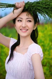 عرسان الزمن الصعب ...إقبال صيني على التصوير المكلف لحفلات الزفاف ثأرا من ثورة ماو الثقافية