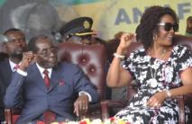موجابي يخشى وجود الخونة بين أنصاره في زيمبابوي