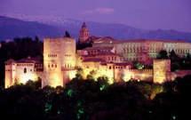 قصر الحمراء وجدرانه المزينة بقصائد ابن زمرك