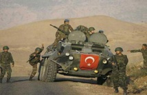الجيش التركي يكثف قصفه لمواقع المسلحين الأكراد في مدينة عفرين