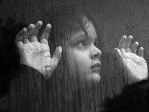 خمسة آلاف طفل مصري سيشكلون ظلا للهرم الأكبر معلنين بذلك إطلاق يوم عالمي لليتيم