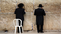 بنس يؤكد نقل السفارة ويختتم زيارته لإسرائيل بزيارة حائط البراق