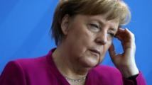 ميركل تؤيد وزير داخليتها بتسريع ترحيل اللاجئين المرفوضين