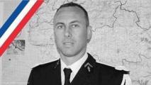 ماكرون يقود مراسم تكريم الضابط المقتول خلال أزمة الرهائن