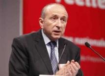 وزير الداخلية الفرنسي ينتقد حجاب طالبة ظهرت في حوار تلفزيوني