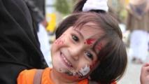 """اليمن ....كفاح لصنع فرحة """"عيد الفطر"""" رغم دمار الحرب"""