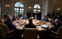 ترامب يكذب الآخرين وينشر صوره الخاصة في قمة مجموعة السبع
