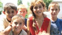 اطفال من أقلية غجر الروما