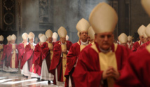 """الفاتيكان: انتهاكات قاصرين في الكنيسة الكاثوليكية """"عار """""""