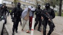 عنف الشرطة مع المهاجرين