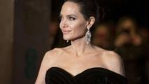 ما حقيقة علاقة أنجيلينا جولي بالممثل كيانو ريفز؟