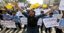 احتجاجات الاسلاميين تصيب الحياة في باكستان بالشلل التام
