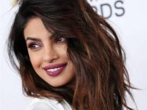 """حملة دفاع في الهند عن الممثلة بريانكا تشوبراضد مقال """"عنصري"""