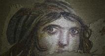"""تركيا تعرض""""الفتاة الغجرية"""" كاملة بعد استعادة قطعها المفقودة"""