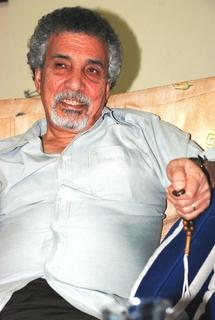 مصطفى خليفة ...ما زلنا في الفصل الاول من الثورة