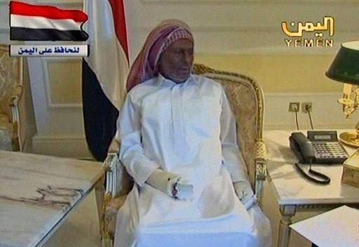 الرئيس اليمني يظهر للمرة الاولى مصابا بحروق بالغة ويدعو للحوار والمشاركة