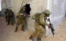قتيل ومصابان جراء عملية طعن وإطلاق نار بالضفة الغربية