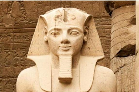 الآثار المصرية : الكشف عن البهو الملكي للفرعون رمسيس الثاني