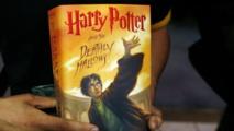 قس بولندي يحرق كتب هاري بوتر خوفا من السحر