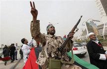 مواجهات داخل بني وليد قبل ساعات من انتهاء المهلة لاستسلام اخر معاقل القذافي