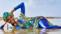 """عارضة أزياء بـ""""البوركيني"""" على غلاف مجلة رياضية أمريكية شهيرة"""