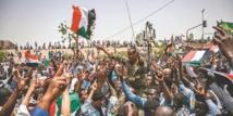 المتظاهرون السودانيون ازالوا المتاريس والمجلس العسكري يتشدد