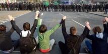 مئات يتظاهرون ضد مسيرة لليمين المتطرف في غرب ألمانيا