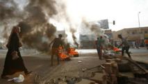 العسكري يحتجز عددا من القوات النظامية بعد فض الاعتصام