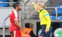 تونس تفتح أبواب التحكيم لمباريات كرة القدم على مصراعيه للنساء