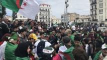 الجزائر.. عين على الانتفاضة وأخرى على النهائي الإفريقي