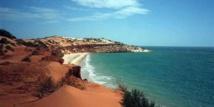 الأحوال الجوية أثرت على نحو نصف البيئة الساحلية في أستراليا