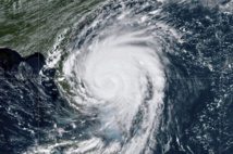 المئات تقطعت بهم السبل بنورث كارولينا بعد وصول الاعصار دوريان