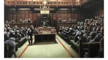"""بيع لوحة """"قردة الشمبانزي في البرلمان البريطاني"""" مقابل 2ر12 مليون"""