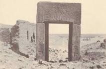 مصريون وإيطاليون يستعيدون صور للبعثات الأثرية بمقابر طيبة