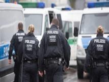 """الشرطة الألمانية : شابان يهاجمان """"فتاة""""عراقية وينزعان  حجابها"""