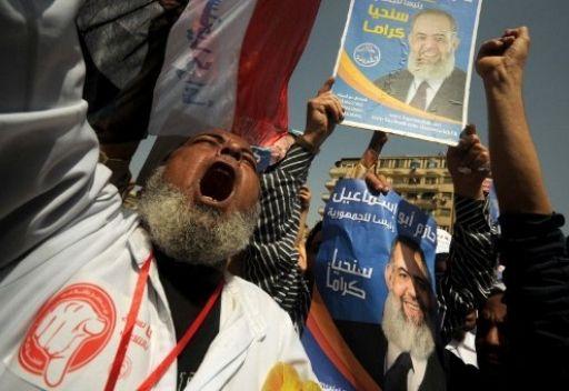 مجلس الشعب المصري يقر تعديلا يمنع كبار مسئولي نظام مبارك من الترشح للرئاسة