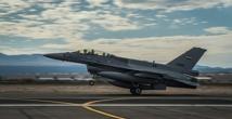 مصدرعراقي : طائرات إف 16 توقفت بعد انسحاب الخبراء الأمريكيين