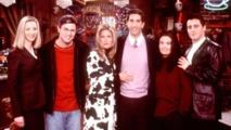 """بعد 15 عاما... المسلسل الأمريكي """"فريندز"""" يعود بحلقة خاصة"""