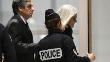 محاكمة رئيس الوزراء الفرنسي السابق فيون بتهمة الاختلاس