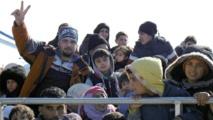 اليونان تغلق حدودها مع تركيا لوقف تدفق المهاجرين