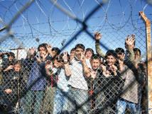 المجر تغلق معسكرين لاحتجاز اللاجئين على الحدود مع صربيا